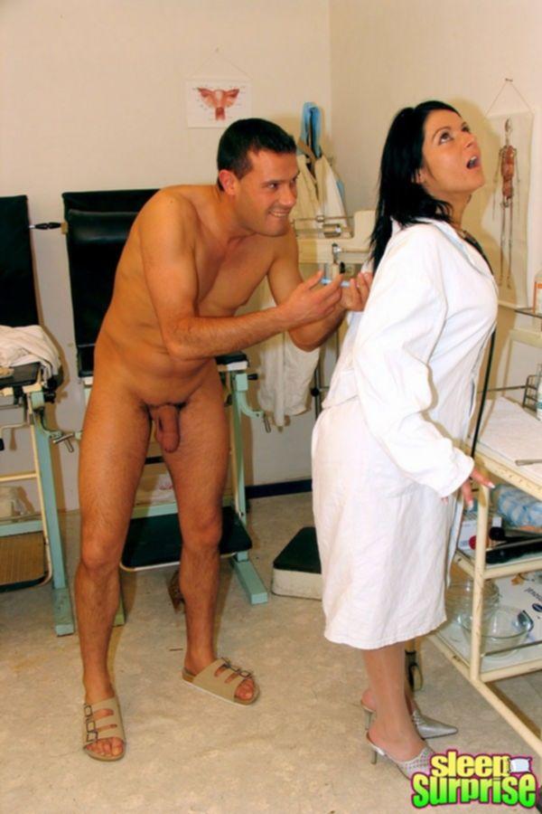 Усыпил молодую медсестру и оттрахал во все дыры